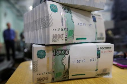 Packs of 1000 Russian Roubles notes are pictured at Goznak printing factory in Moscow, Russia July 11, 2019. REUTERS/Maxim Shemetov