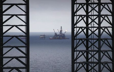 An oil platform operated by Lukoil company is seen at the Korchagina oil field in Caspian Sea, Russia October 17, 2018. Picture taken October 17, 2018. REUTERS/Maxim Shemetov