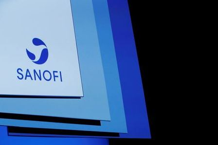 A logo of Sanofi is pictured during the company's shareholders meeting in Paris, France, April 30, 2019. REUTERS/Benoit Tessier/File Photo