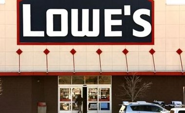 A view of the sign outside the Lowes store in Westminster, Colorado February 26, 2014. REUTERS/Rick Wilking/File Photo