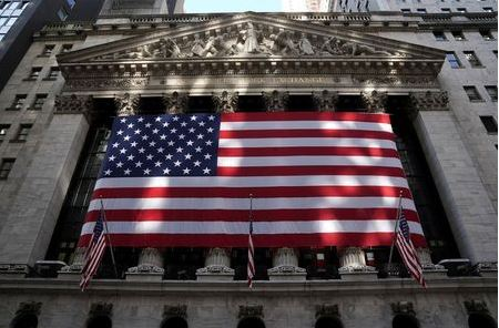 The New York Stock Exchange is pictured in the Manhattan borough of New York City, New York, U.S., November 10, 2020. REUTERS/Carlo Allegri