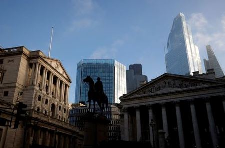 A general view shows The Bank of England and the City of London financial district, amid the outbreak of the coronavirus disease (COVID-19), in London, Britain, November 5, 2020. REUTERS/John Sibley