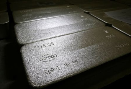 FILE PHOTO: Ingots of 99.99 percent pure silver are seen at the Krastsvetmet non-ferrous metals plant, one of the world's largest producers in the precious metals industry, in the Siberian city of Krasnoyarsk, Russia November 22, 2018. REUTERS/Ilya Naymushin