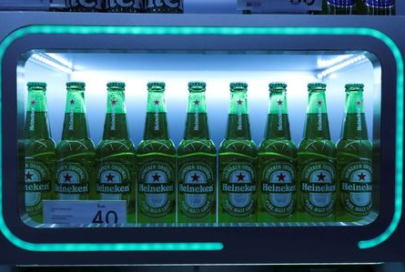 Bottles of Heineken beer are seen at a super market during the coronavirus disease (COVID-19) outbreak, in Bangkok, Thailand, October 12, 2020. REUTERS/Soe Zeya Tun