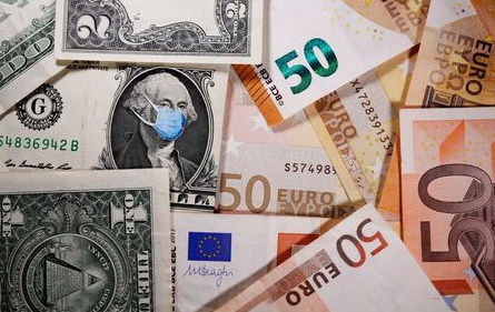 FILE PHOTO: George Washington is seen with printed medical masks on the one Dollar near Euro banknotes in this illustration taken, March 31, 2020. REUTERS/Dado Ruvic/Illustration/File Photo