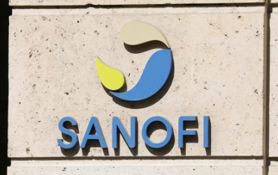 FILE PHOTO: The logo of Sanofi is seen at the company's headquarters in Paris, France, April 24, 2020. REUTERS/Charles Platiau/File Photo